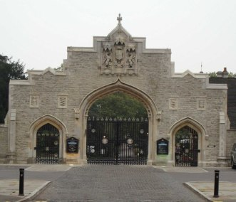 g City_of_London_Cemetery_Gates_-_geograph.org.uk_-_67253